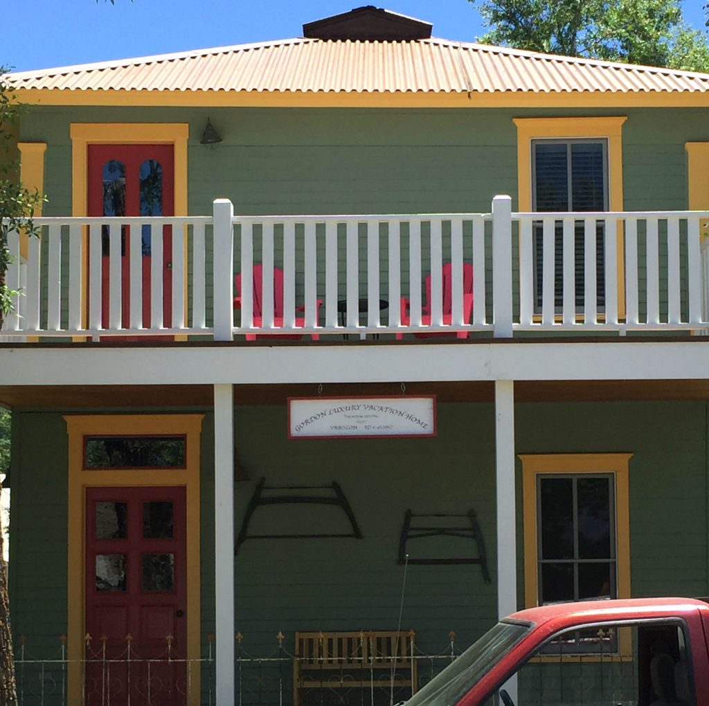 crested-butte-colorful-house-3