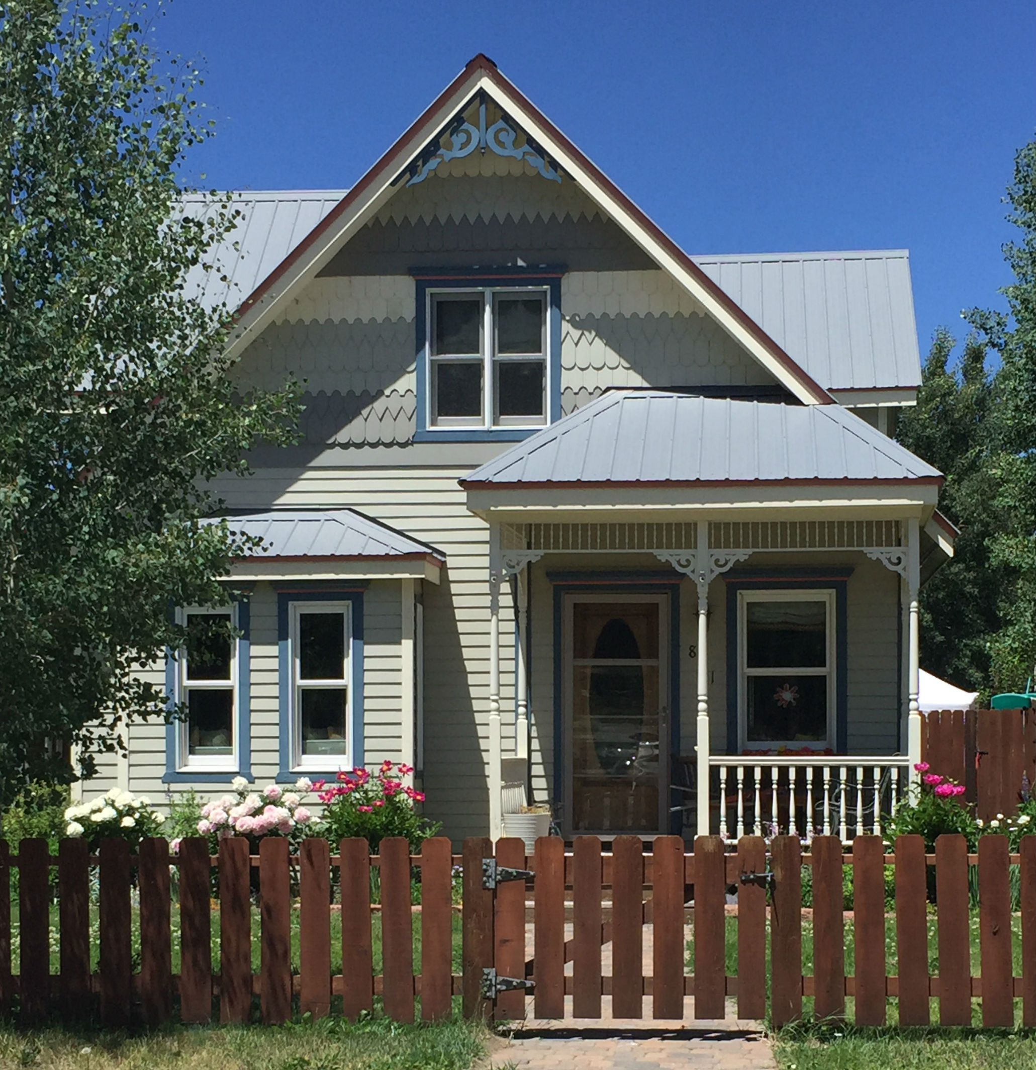 crested-butte-colorful-house-5