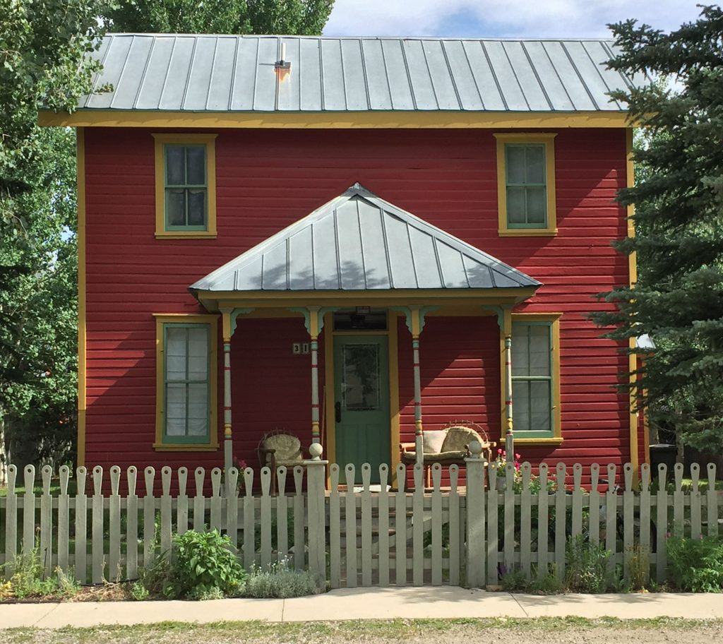 crested-butte-colorful-house-6