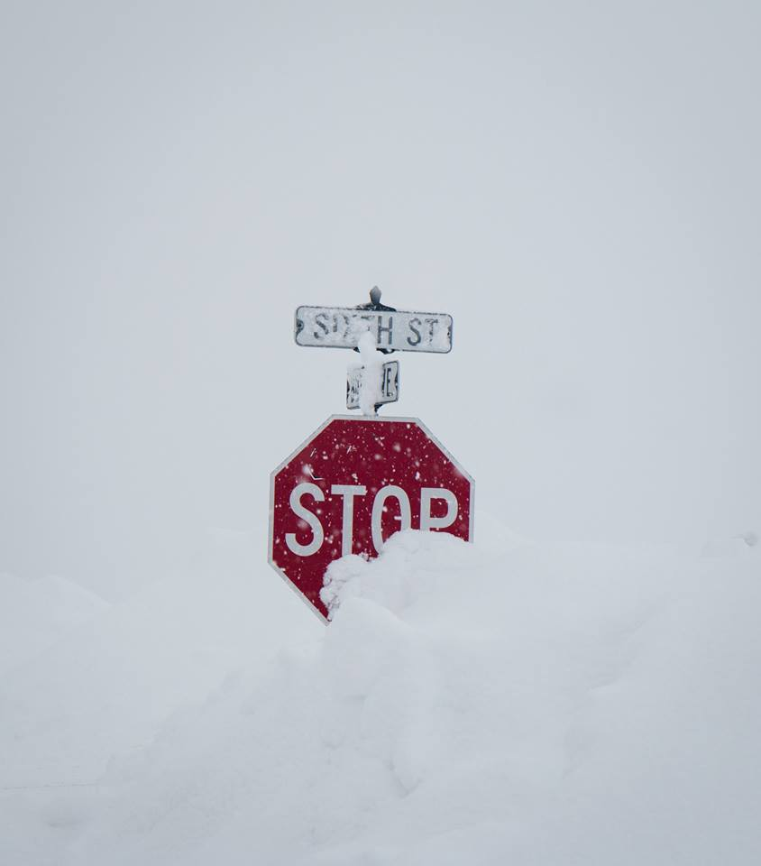 Crested-Butte-Snowpocalypse-stop-sign
